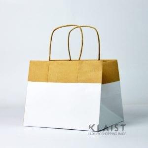 sacchetti shopper di carta con fondo in cartone resistente